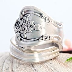 Vintage Spoon Ring Inspiration Spoon Ring Spoon by mcfmiller Vintage Rings, Vintage Silver, Vintage Jewelry, Spoon Jewelry, Spoon Rings, Vintage Accessories, Jewelry Accessories, Ring Pictures, Artisan Jewelry