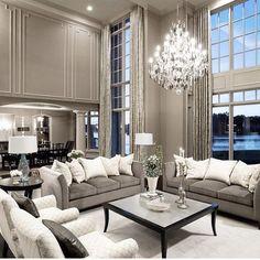 Silver Grey Interior Más