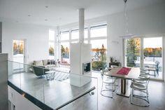 kivitalo-valkoinen-olohuone Cabin Plans, Cribs, Eye, Living Room, Kitchen, Furniture, Design, Home Decor, Cots