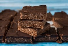 Gluten Free Weet-Bix Slice the slice 6 Gluten Free WeetBix 2 cups desiccated coconut 1/2 cup honey* 1/4 cup cacao 2 tablespoons hulled tahini 1 tablespoon coconut cream 1 teaspoon vanilla extract Pinc