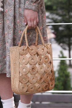 Vintage Sewing Patterns, Crochet Patterns, Macrame Design, Knitted Bags, Knitting Ideas, Handmade Bags, Straw Bag, Reusable Tote Bags, Street Style