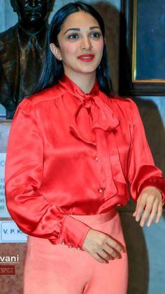 Kaira Advani, Kiara Advani Hot, Indian Fashion, Women's Fashion, Silk Blouses, Most Beautiful Indian Actress, Blouse Outfit, Beauty Full Girl, India Beauty