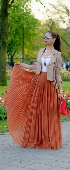 Love it, but, more than likely it would look unappealing on me, due to pleats. Gorgeous color!