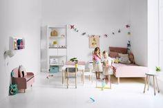 Nábytková kolekce Play je charakteristická oblými křivkami, připravenými na divočejší hry dětí, zábavnými pastelovými barvami s nádechem retro stylu a řemeslným zpracováním, jasanové dřevo, cena podle vybrané konfigurace, www.flexaworld.com