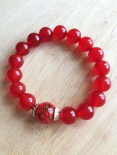 LL0005 - Red chalcedony bracelet with 1 Liuli bead (seaweed patterns+gold glitters) - LvBlossoms Accessories DESIGNED x HOMEMADE