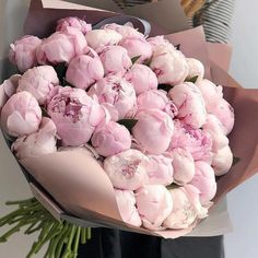 Things to Know about Deals on Valentine's Day Flowers Online Flowers Nature, Fresh Flowers, Pink Flowers, Beautiful Flowers, Art Flowers, Exotic Flowers, Yellow Roses, Pink Roses, Paper Flowers