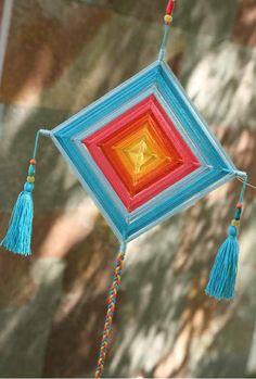 Cute Crafts, Yarn Crafts, Diy Crafts, String Crafts, String Art, God's Eye Craft, Hispanic Art, Alpine Flowers, Dorset Buttons