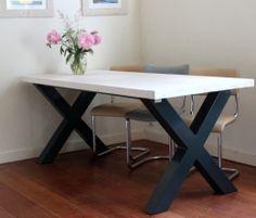 Tafel met kruispoot | tafel met kruispoot op maat gemaakt | de Steigeraar