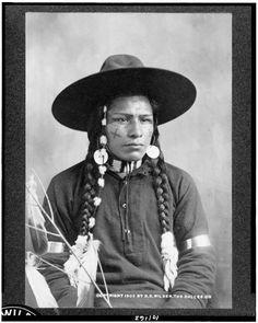 Gladys Thompson, last fluent speaker of Wasco tribe's Kiksht language, died March 7, 2012.