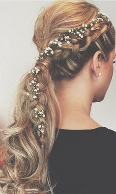 20 Wedding Ponytail Hairstyles for the Modern, Romantic, and Bohemian Bride