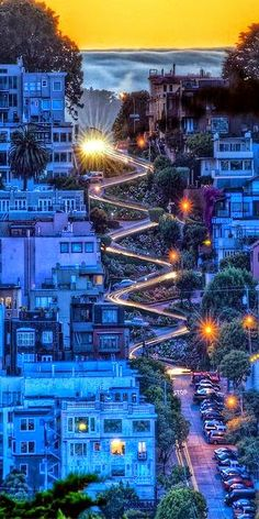 WOW...THIS IS AWESOME!  Lombard Street, San Francisco, California