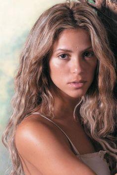 Shakira Discusses 'Oral Fixation Tour' DVD   popdirt.com