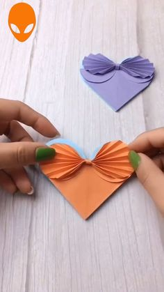 Unglaubliches Papierhandwerk The Effective Pictures We Offer You About DIY Fabric Flowers easy A qua Diy Crafts Hacks, Diy Crafts For Gifts, Diy Arts And Crafts, Creative Crafts, Paper Crafts Origami, Origami Art, Fabric Crafts, Paper Flowers Craft, Flower Crafts