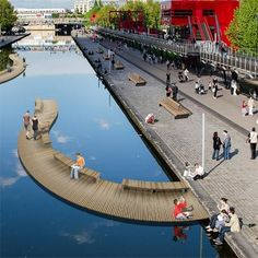 Curve Floating Modules with Hardwood decking material for Boulevards