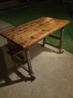 Retro Chic, Wood Pallets, Dining Table, Rustic, Furniture, Diy, Home Decor, Wooden Pallets, Homemade Home Decor