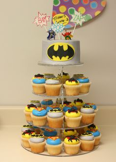 Batman Superhero Cake and Cupcakes - This was a great trade I did with a fellow photographer. She came a month earlier and photographed my daughter's 3rd Bday party and I did her son's birthday cake. It was great!