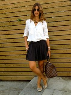 MisstrendyBarcelona Outfit  casual urbano  Verano 2012. Combinar Camisa-Blusa Blanca Zara, Pantalones Gris Oscuro Zara, Cómo vestirse y combinar según MisstrendyBarcelona el 11-7-2012