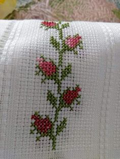 cross stitch by hand Xmas Cross Stitch, Cross Stitch Bookmarks, Simple Cross Stitch, Cross Stitch Rose, Cross Stitch Flowers, Cross Stitch Patterns Free Easy, Cross Stitch Borders, Cross Stitch Designs, Cross Stitching