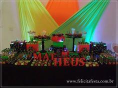 mesa do bolo neon para festa balada teen