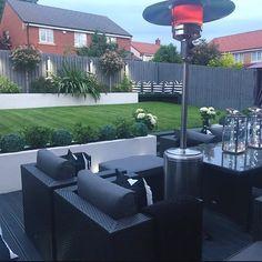 Precious Tips for Outdoor Gardens - Modern Back Garden Design, Modern Garden Design, Backyard Garden Design, Backyard Patio, Hot Tub Garden, Dream Garden, Home And Garden, Garden Pool, Back Garden Landscaping