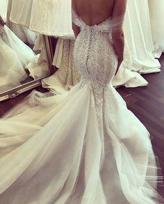 """4,043 Likes, 10 Comments - Casamento dos Sonhos (@sonhocasamento_) on Instagram: """"💕 Vestido:@georgeelsissa . . . . . . . #sexy #details #detalhes #dream #dress #dresses #vestido…"""""""