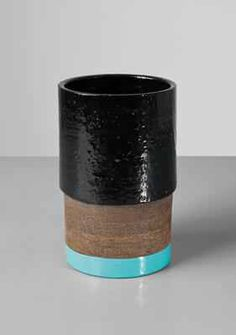 Artist: Ettore Sottsass, Jr. Title: Large vase, model no. 389-B Medium: Glazed ceramic. Dimensions: 12 1/2 in. (31.8 cm) high Lot Number: 90 Estimate: $6,000 - 8,000  Auction: DESIGN Location: NEW YORK Sale Date: 13 DECEMBER 2016 Website: http://www.phillips.com Phone: US +1 212 940 1228 UK +44 20 7318 4045  Try the Phillips app for yourself -- available from the iTunes App Store http://itunes.apple.com/app/id397496674