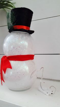 Snowman Crafts - Amelia King - Snowman Crafts Totally Me dollar tree christmas decor - Cricut Christmas Ideas, Snowman Christmas Decorations, Dollar Tree Christmas, Christmas On A Budget, Dollar Tree Crafts, Snowman Crafts, Christmas Centerpieces, Christmas Projects, Holiday Crafts