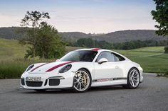 2016 Porsche 911 R Background Wallpaper
