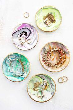 El Blog de Vagalume Designs: 5 tutoriales para hacer ideales platos porta anillos para regalar.