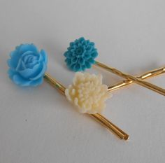Save 20% on $20 or more through 12/14/14 - Use code HOLIDAY20  Something Blue Wedding Flower Luck Bobby Pin Set by midwooddesign