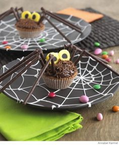 Yummy Chocolate Orange Spider #Halloween Cupcakes | Parenting.com