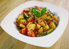 Potato – Pepper – Zucchini – Pot, a great recipe from the category Vegetable … - Easy Food Recipes Low Carb Vegetarian Recipes, Veggie Recipes, Great Recipes, Potatoe Dinner Recipes, Easy Potato Recipes, Easy Summer Meals, Healthy Summer Recipes, Instant Pot Potato Recipe, Lucky Food
