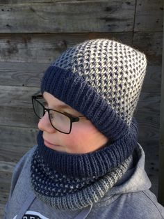 Crochet Hats, Fashion, Knits, Knitting Hats, Moda, Fashion Styles, Fashion Illustrations