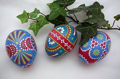 Sorbische Ostereier, Set of 3 Decorated Chicken Eggs, Original Artwork of Award-Winning Traditional Easter Eggs, Easter Eggs Pysanky, Wachsbatik, Wachstechnik,