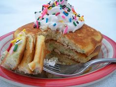 Funfetti Pancakes  Makes about 6-8 pancakes  1 1/2 cups Funfetti cake mix  2 tbsp. oil  1/2 cup milk  1 egg