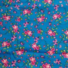 C0090 - floral rosa, fundo azul.