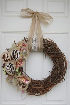 Love this idea for a year round wreath! Super creative idea! - I'm going to make this as soon as my Valentine's wreath comes down
