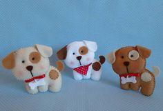 Chaveiro Cachorrinho confeccionado em feltro. Ideal para lembrancinha de aniversários, nascimento, etc  Pode ser feito em outras cores!! Consulte-nos.