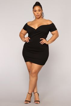 The night we met dress - black curvy models, curvy women fashion, plus size Older Women Fashion, Plus Size Fashion For Women, Curvy Women Fashion, Plus Size Women, Plus Size Dresses, Plus Size Outfits, Pernas Sexy, Plus Zise, Looks Plus Size