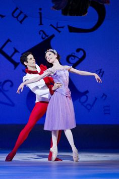 Sarah Lamb and Federico Bonelli in Alice's Adventures in Wonderland.  © Johan Persson