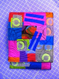 Free Quilted Matchbook Style Kindle eReader Cover Tutorial #sewing #quilting