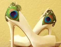 Love this to dress up a pair of plain shoes