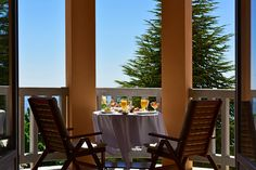Pousada Serra is a hotel in Serra Estrela. Located in a former sanatorium, this charming hotel with pool and spa will provide you with a memorable stay. Outdoor Chairs, Outdoor Furniture, Outdoor Decor, Hotel Pool, How To Memorize Things, Mornings, Repeat, Home Decor, Star
