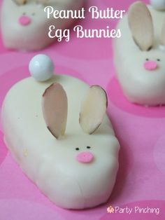 Reese's egg bunnies, Reese's white chocolate eggs, peanut butter bunnies, easy easter dessert ideas, easter treat ideas or kids easter party ideas Cute Easter Desserts, Easter Cupcakes, Easter Cookies, Easter Treats, Easter Recipes, Holiday Desserts, Holiday Recipes, Easter Food, Easter Snacks