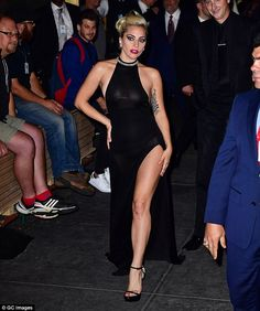 Strike a pose: As she arrived at the celebration held for the music icon, the star put on an impromptu show for thrilled onlookers