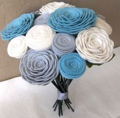 bouquet-mariee-feutrine-bleu