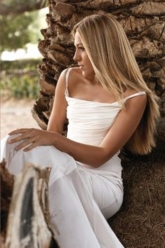 Songs by colbie-caillat Colbie Caillat, Celebs, Celebrities, Hair Inspiration, Portrait Inspiration, New Hair, How To Look Better, Hair Makeup, Hair Color