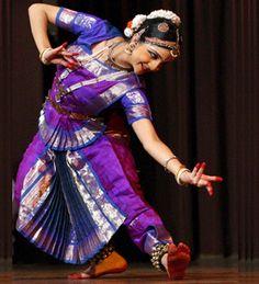 Image from http://3.bp.blogspot.com/_9vPNlqoYUtY/TFlc0d36CfI/AAAAAAAADCc/5b1Jkk6HbOo/s1600/Nehha+Bhatnagar+Bharatanatyam+Dancer.gif.