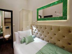 Single Room - Emerald