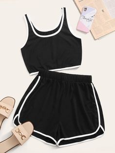 Cute Lazy Outfits, Sporty Outfits, Mode Outfits, Pretty Outfits, Summer Outfits, Girls Fashion Clothes, Teen Fashion Outfits, Outfits For Teens, Crop Top And Shorts